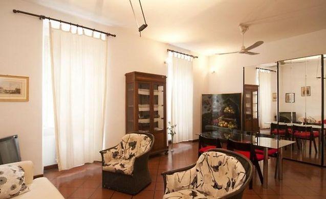 Santissimi 01   2 Bedroom Apartment Rome